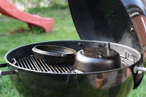 Fire&Steel - Ein Dutch Oven im Kugelgrill