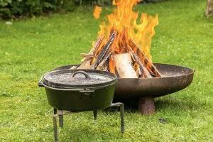 feuerschale-dutch-oven-kochen-neu